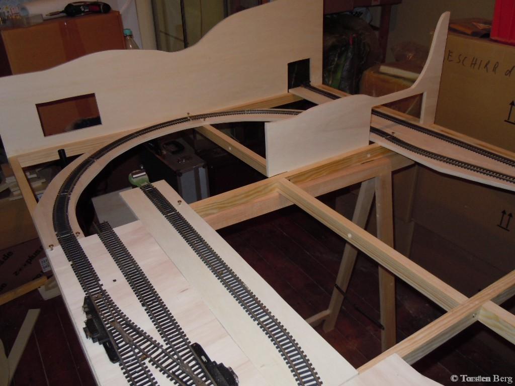 Baubericht: Grundgerüst und Gleisarbeiten