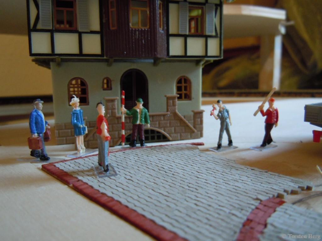 Die Pflasterung des Rathausplatzes in Waldesruh schreitet voran