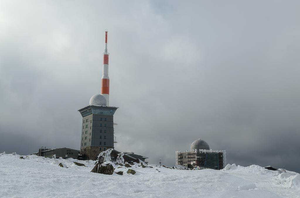 Im Winter zum Brocken im Harz unterwegs - Brockenhotel und Brockenhaus