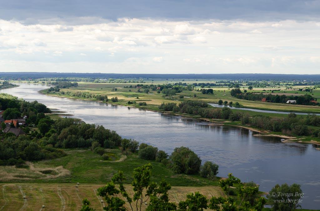 Unterwegs im Biosphärenreservat Niedersächsische Elbtalaue - Ausblick auf einen der längsten Flüsse Deutschlands