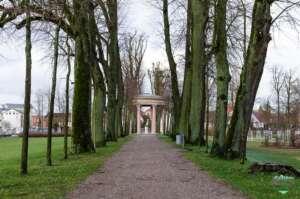Residenzstadt Neustrelitz - Sicht zum Hebetempel im Schlossgarten
