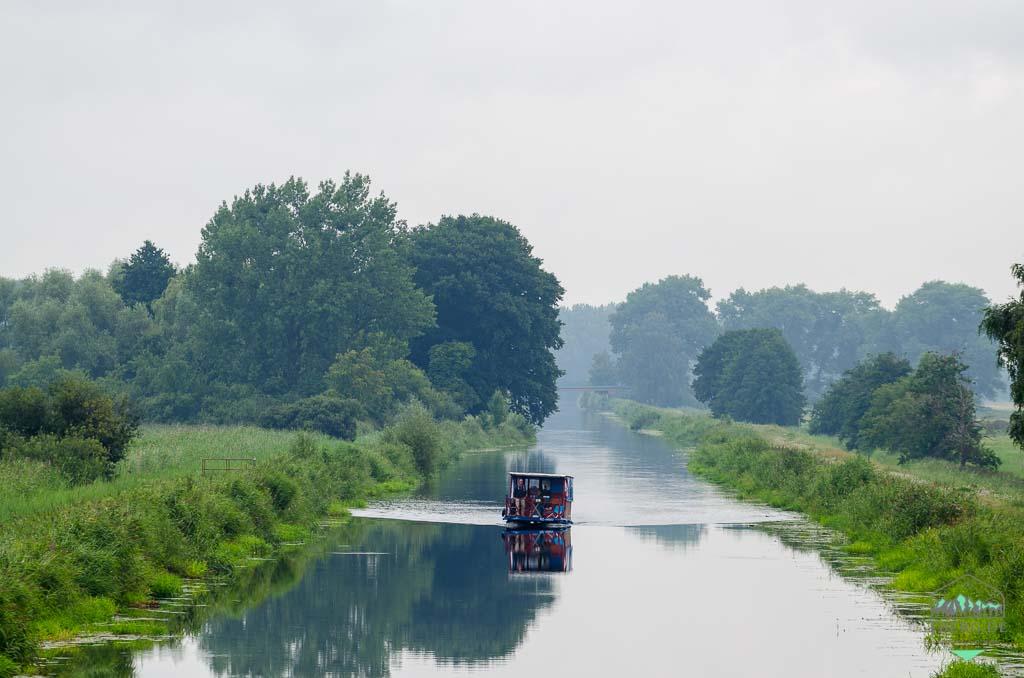 Naturerlebnisse in der Lewitz - Hausboot auf dem Störkanal